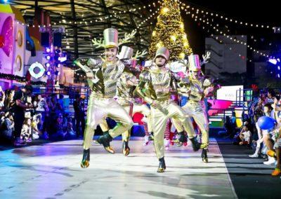 เริ่มแล้ว! บรรยากาศคริสต์มาสเฉลิมฉลองเทศกาลแห่งความสุข Endless Celebrations  คิง เพาเวอร์ รางน้ำ