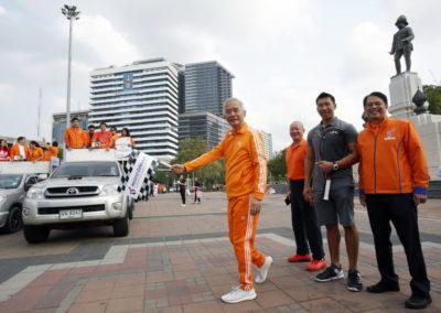 ชพน.ปล่อยตัวคาราวานรถแห่ นำเสนอนโยบาย กรุงเทพ (ฺBangkok Kick Off)