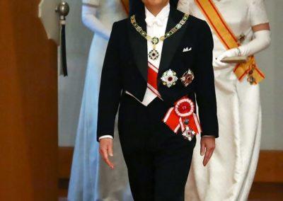 จักรพรรดิญี่ปุ่นพระองค์ใหม่ขึ้นครองราชย์ ทรงสัญญาจะอุทิศตนต่อประชาชน