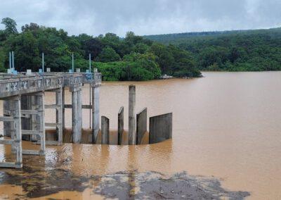 น้ำไหลเข้าเขื่อนลำพระเพลิงวันเดียวกว่า 15 ล้าน ลบม. ระดับน้ำพุ่งกว่า 111% เตือนประชาชนในพื้นที่ลุ่มระวังน้ำท่วมอีกระลอก